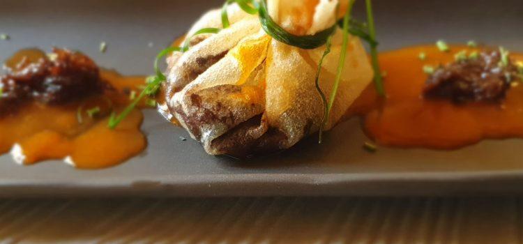 Hotel San Ramón del Somontano > Saquito relleno de carrillera de ternera a baja temperatura en salsa de miso