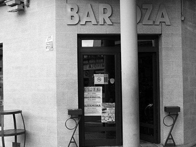 Bar Oza